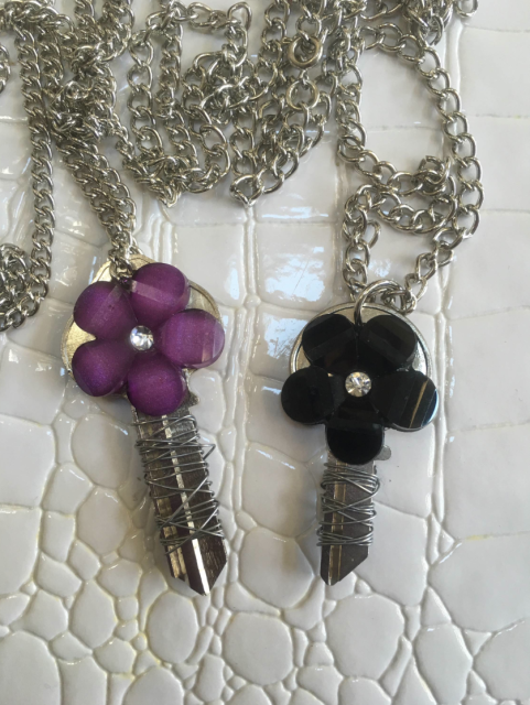 Floral Wire Key Necklace (Purple or Black)
